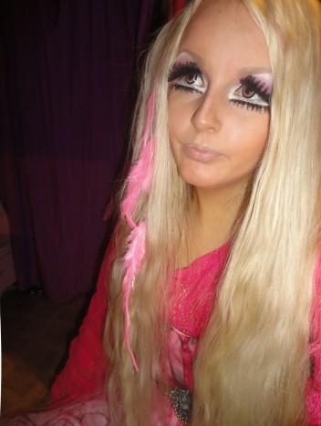 Lhouraii Li, la nouvelle Barbie humaine