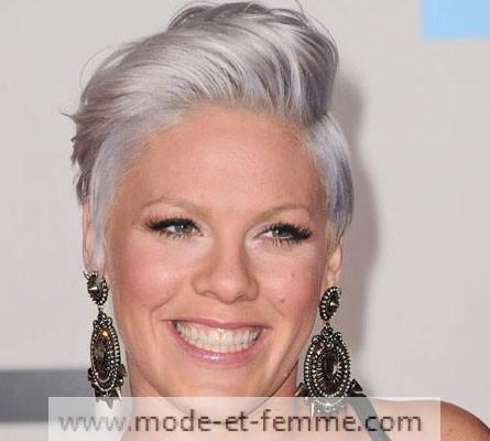 Cheveux gris pink mode et femme for Coupe femme cheveux blond gris