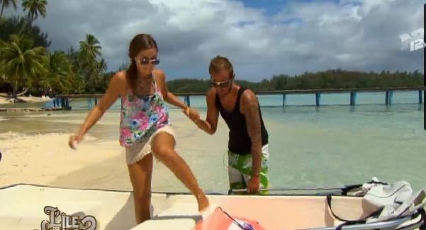 Geoffrey et Léa amoureux dans L'île des vérités,