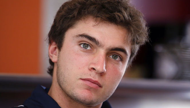 The 32-year old son of father Daniel Simon and mother Mireille Simon, 180 cm tall Gilles Simon in 2017 photo