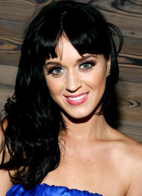 Katy Perry et Facebook dans le clip Wide Awake