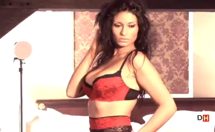 Livia du Bachelor 2013 sexy en sous vêtements