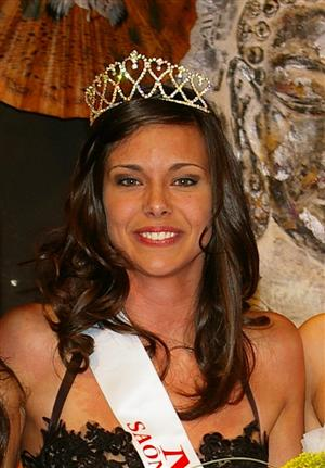 Lorphelin dauphine Miss Monde