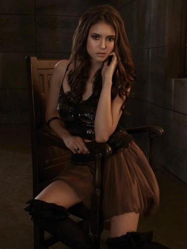 Nina Dobrev dans Vampire Diaries 4