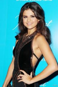 Selena Gomez glamour au Bal de L'Unicef
