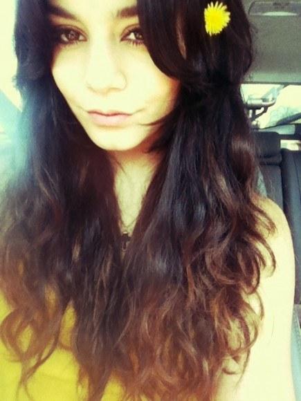 nouvelle couleur de cheveux de Vanessa Hudgens