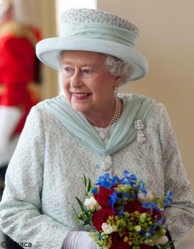 bijoux en diamant de la reine