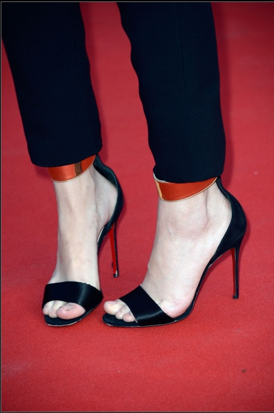 chaussures-barbara-palvin-cannes