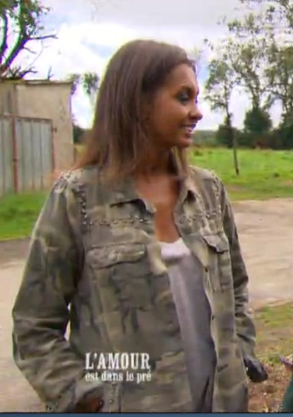 chemise militaire de Karine Le Marchand L'Amour est dans le pré