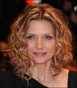 coupe cheveux courte femme 50 ans et plus