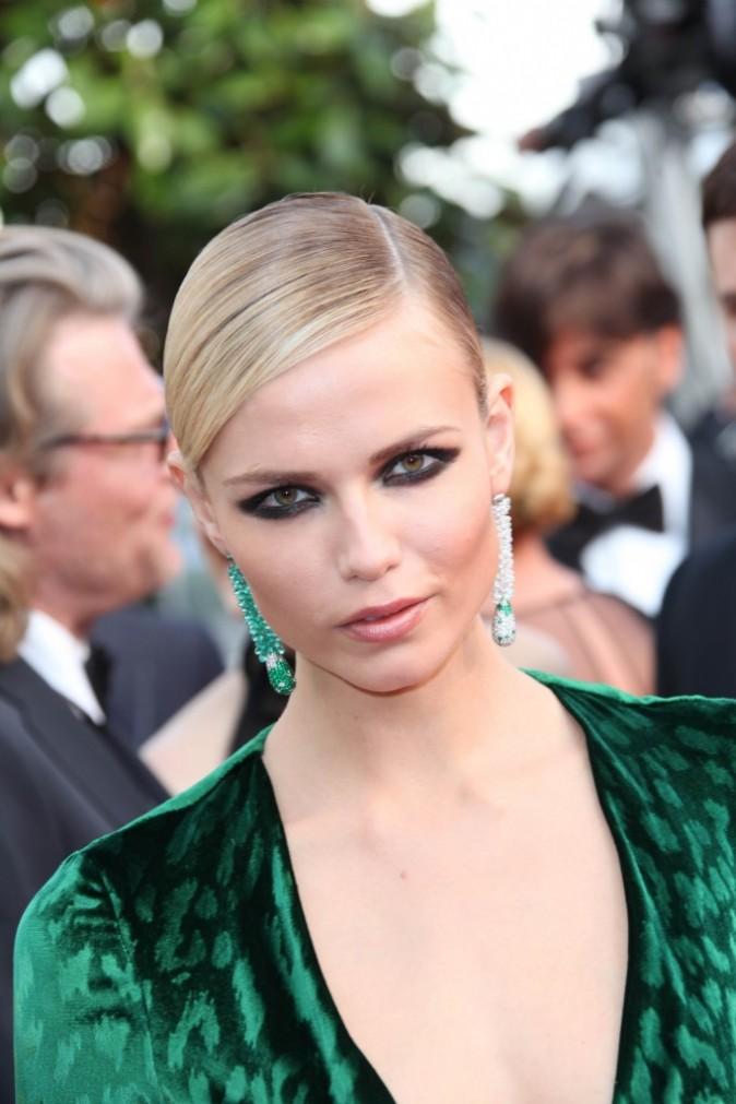 Décolleté Natasha Poly à Cannes