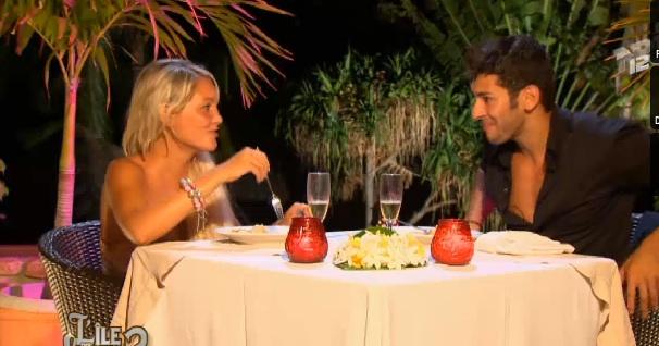 Samir demande Aurélie en mariage dans L'île des vérités,