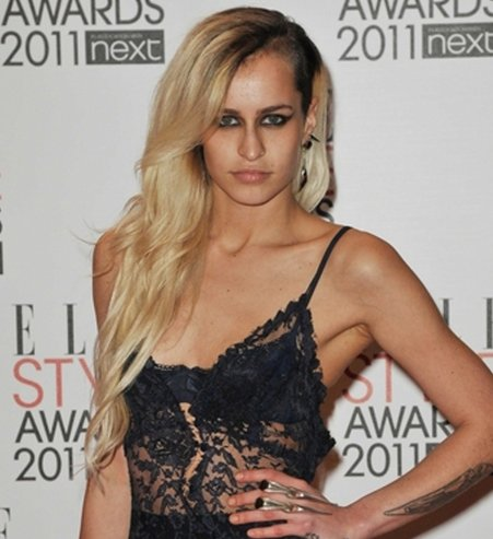 Coupe half hawk Alice Dellal