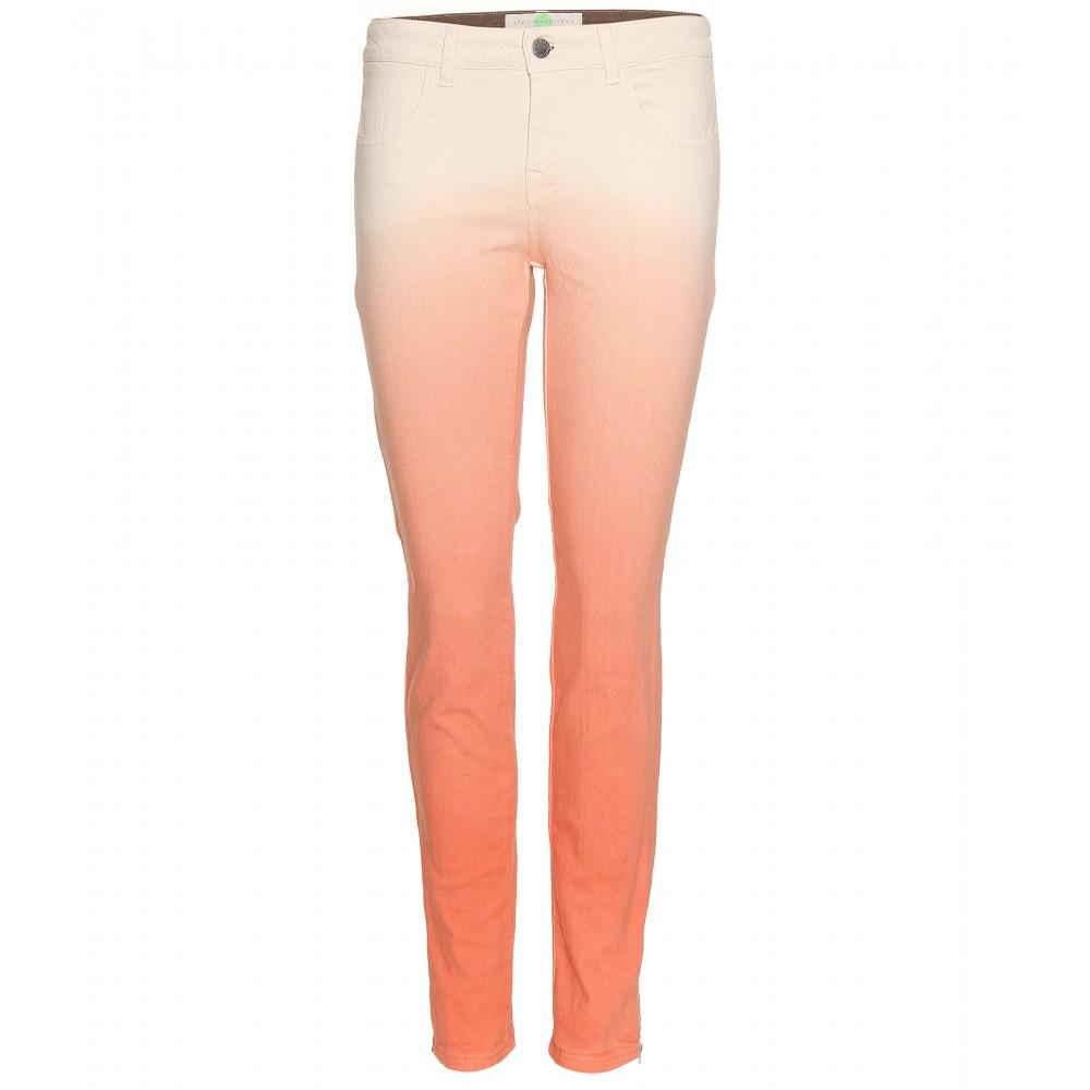 Jeans dégradé de Nina Dobrev