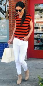 Katie Holmes en jean blanc
