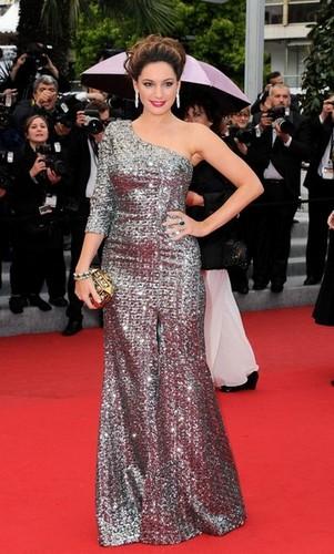 Kelly Brook pulpeuse à Cannes