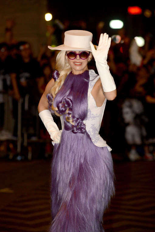 robe cheveux de Lady Gaga