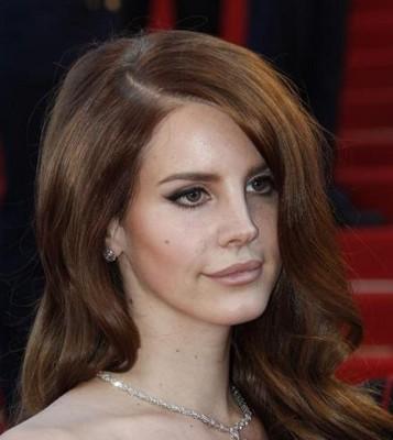Lana Del Rey botoxée