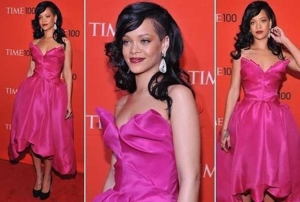 Rihanna en robe rose