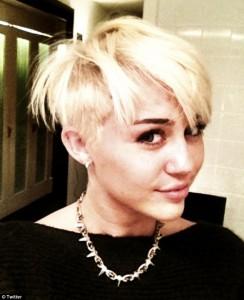 Cheveux courts de Miley Cyrus