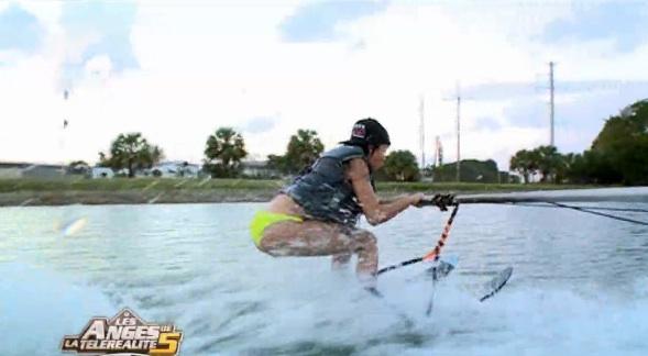 nabilla-ski-nautique1
