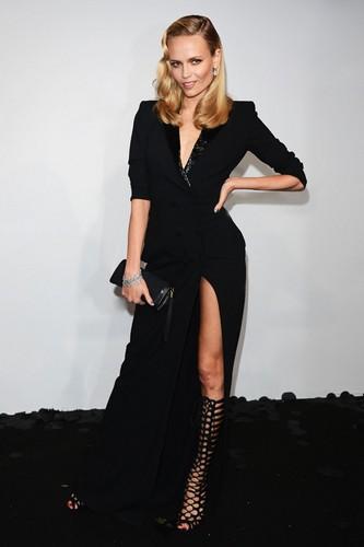 robe noire sexy de Natasha Poly