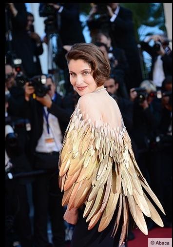 robe-plume-laetitia-casta