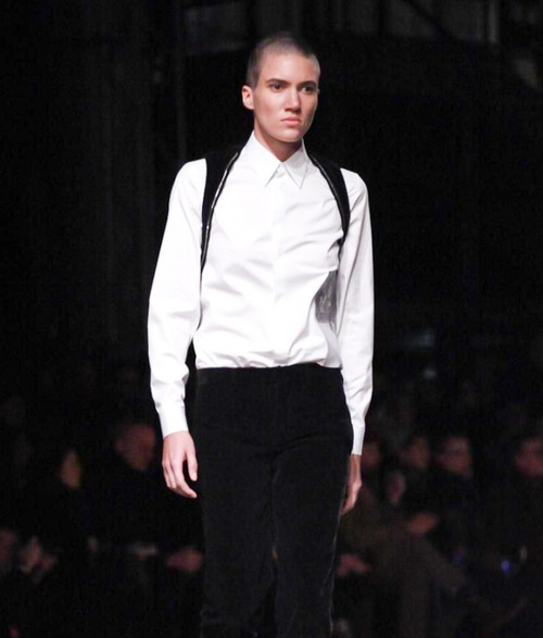 Top model androgyne Tamy Glauser